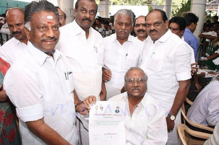 Sasikalas appointment as General Secretary illegal should be rejected OPS camp writes to EC