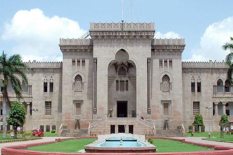 Osmania University tries to evict non-boarders students protest by cooking on the streets