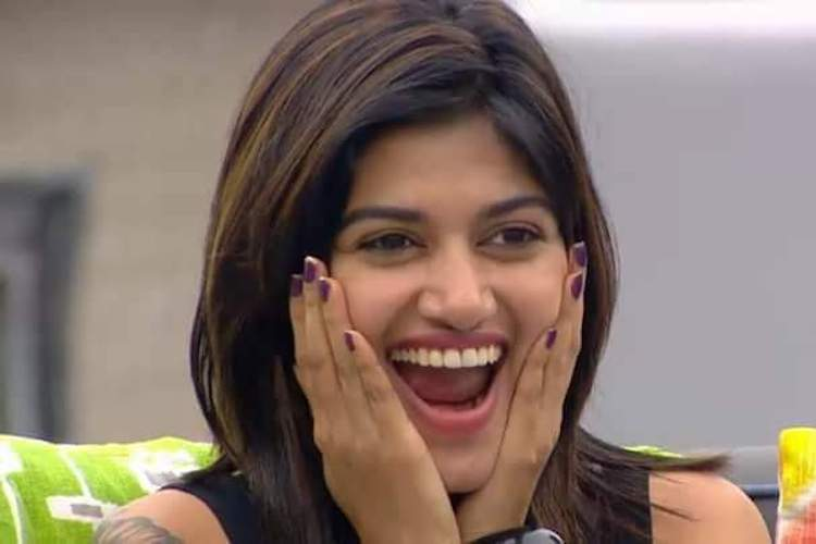 Oviya Army is celebrating as Julie gets humiliated for lying on Bigg Boss