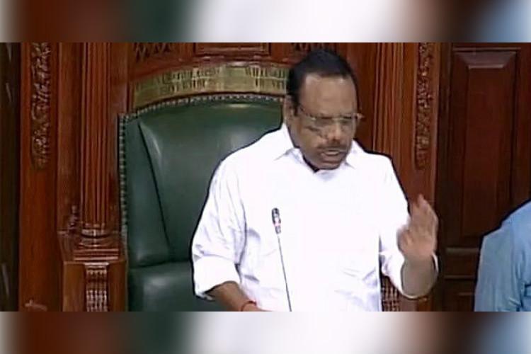 TN Speaker issues notice to 19 AIADMK MLAs supporting Dhinakaran