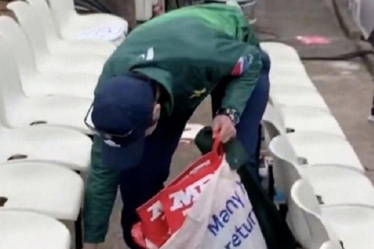 Watch Pakistan fans clean up stand after win over New Zealand