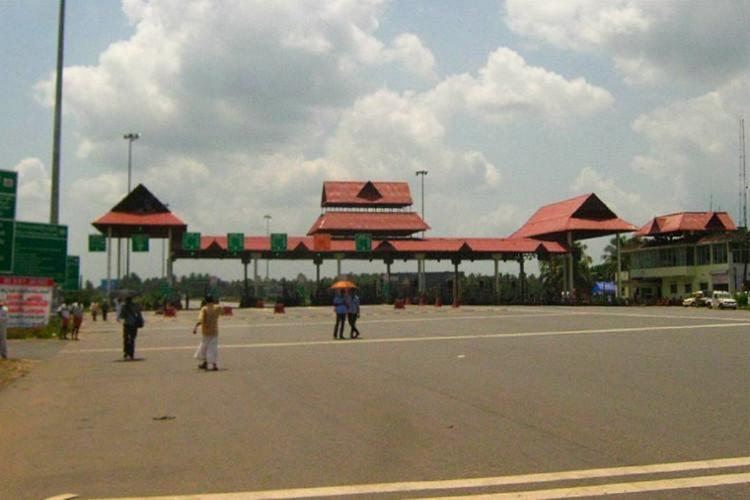 Paliyekkara toll plaza in Thrissur without traffic