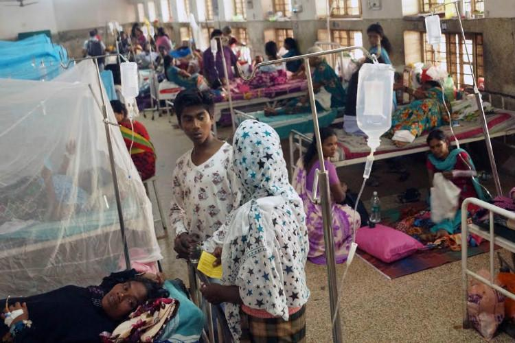 124 fever deaths in Kerala since June Tpuram worst hit with 1951 cases on Sunday alone