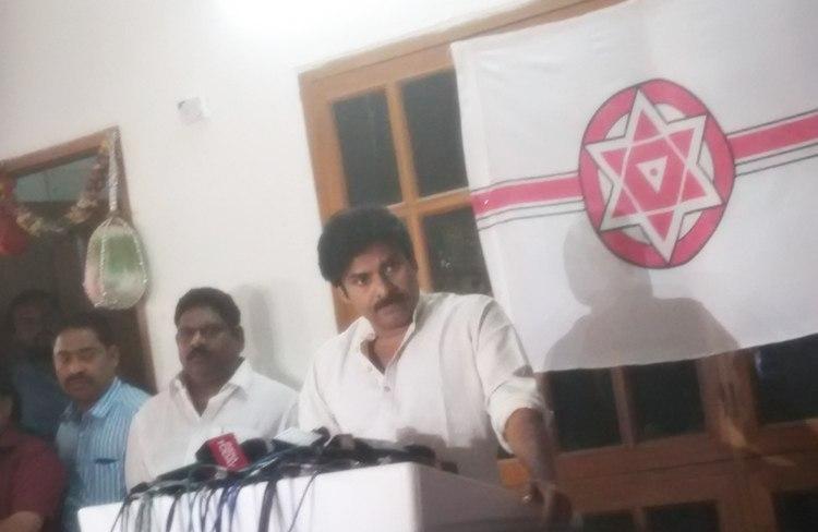 Chiranjeevi blames govt while brother Pawan Kalyan is evasive over Tuni agitation