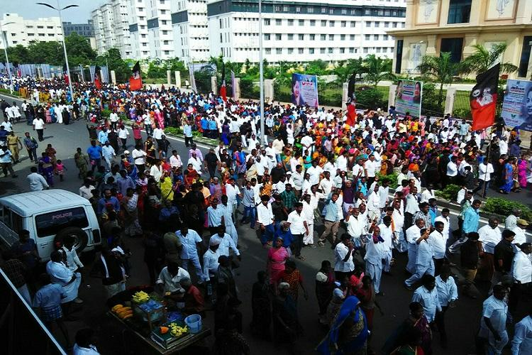 EPS-OPS TTV Dhinakaran conduct marches in Chennai on Jayas first death anniversary