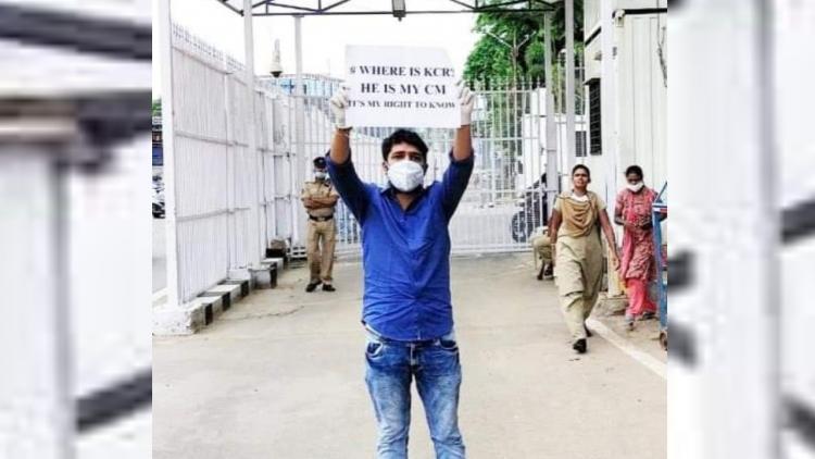 A protestor at Pragathi Bhavan in Telangana