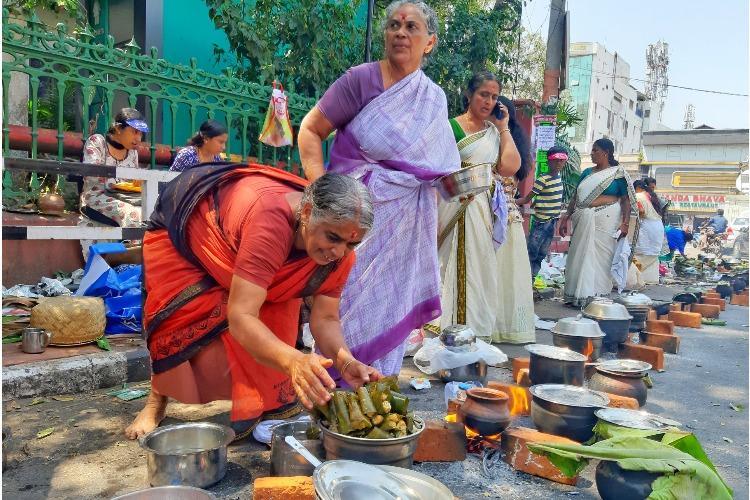 Hearths Pots Pongala Thousands Of Women Join Annual Attukal Fest In Tpuram