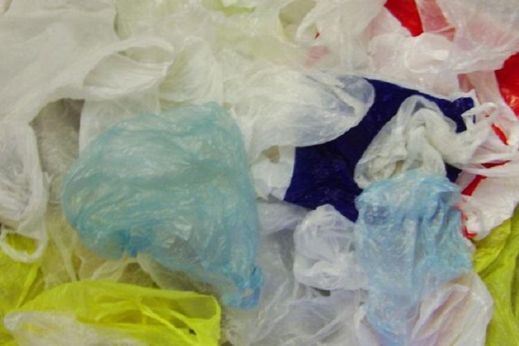 Traders in Kerala warn to go on indefinite strike if fined for using plastic