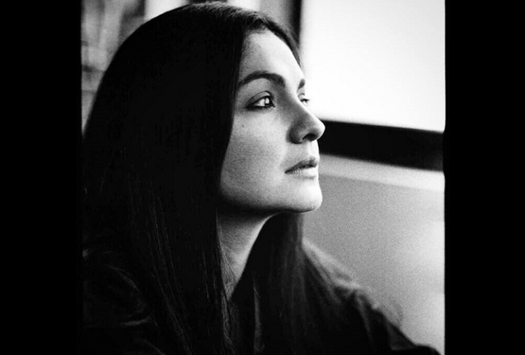 Pooja Bhatt to make acting comeback after gap of 18 years