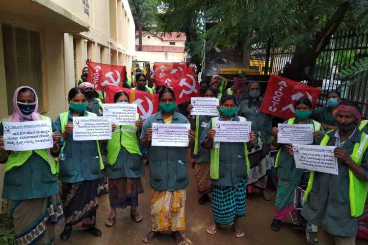 Pourakarmikas in Bengaluru protest after 23 among them get COVID-19 ask for PPEs