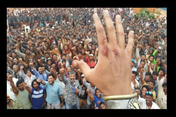 Prabhas suffers minor injury while shooting Baahubali climax