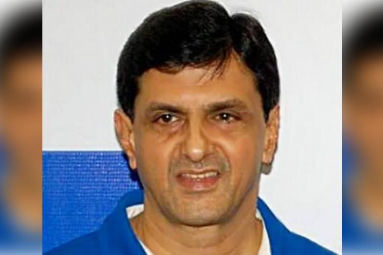 Bluru ponzi scam Defreeze Prakash Padukones bank account Ktaka HC tells cops