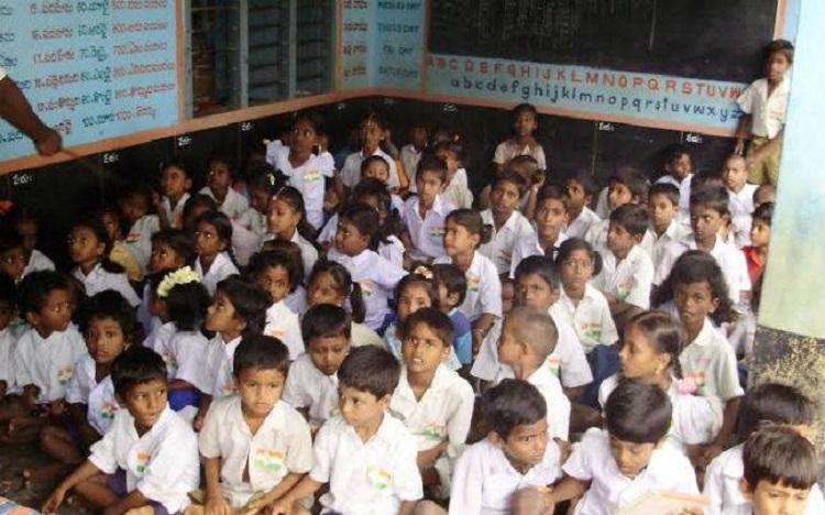 RTE Act amendment SC issues notice to Karnataka govt on school admission