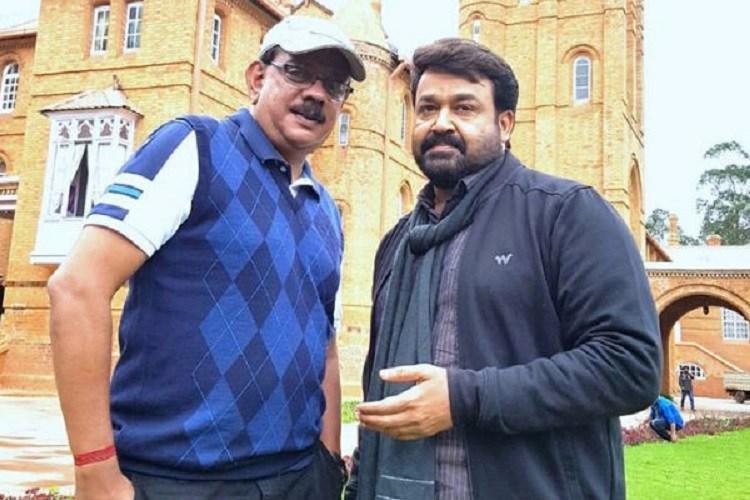 Priyadarshan in talks with Bollywood stars for Marakkar Arabikadalinte Simham