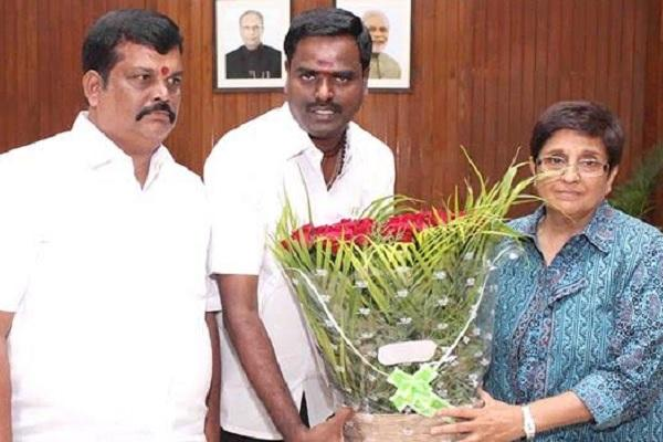Kabalis Puducherry distributor meets CM and Lt Guv Kiran Bedi over piracy fears
