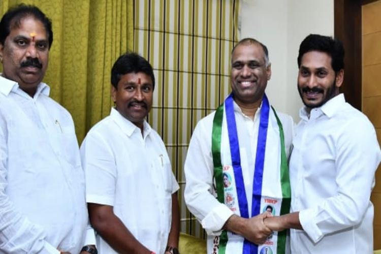 Industrialist PVP sitting TDP MP Thota Narasimhan join YSRCP