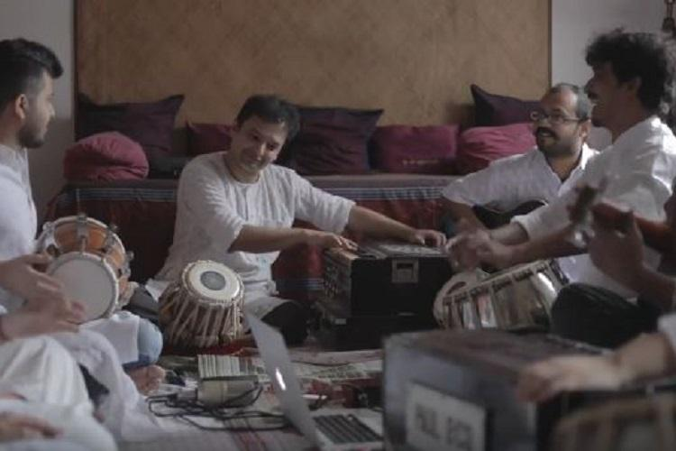 Watch What happens when the qawwali and Jingle Bells blend