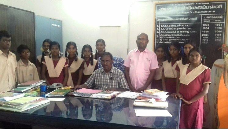 They should have what I never did Meet the Coimbatore auto driver helping hundreds of students