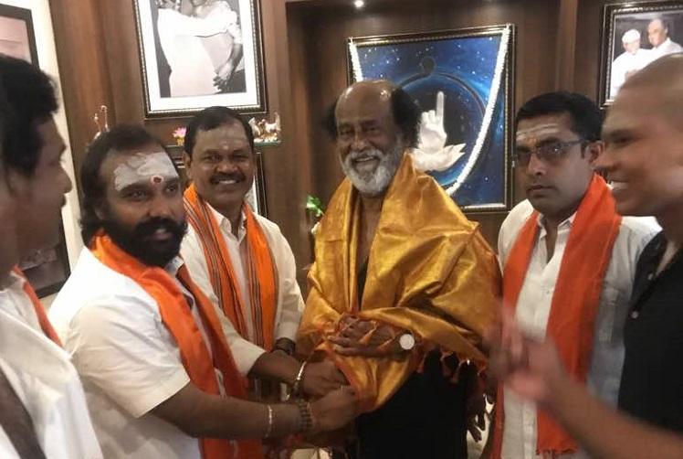 Rajinikanth meets fringe Hindu group sets tongues wagging once again