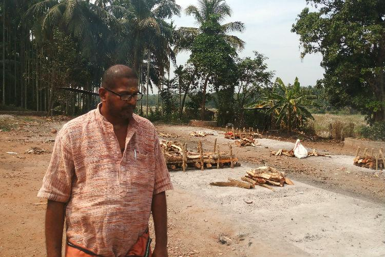 He gave up 3 white collar jobs to cremate bodies meet Kerala man who broke caste taboos