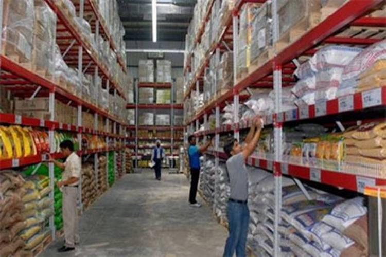 Reliance registered as seller on online stopped accepting fresh orders for products