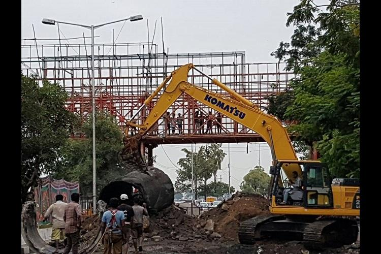 Digging of roads for pipelines to increase traffic woes for Hyderabad commuters