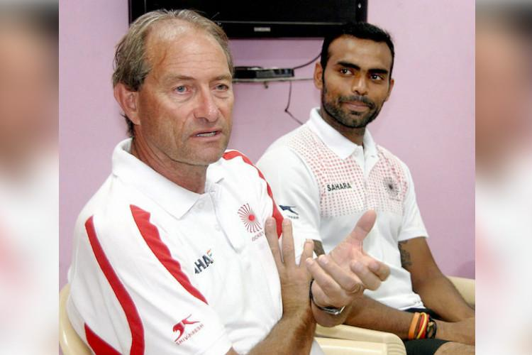 Roelant Oltmans sacked as coach of Indian mens hockey team
