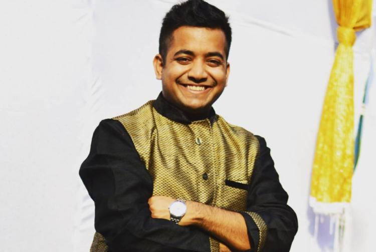 A doctor and an IAS officer this 24-year-old quit his job to become an e-tutor