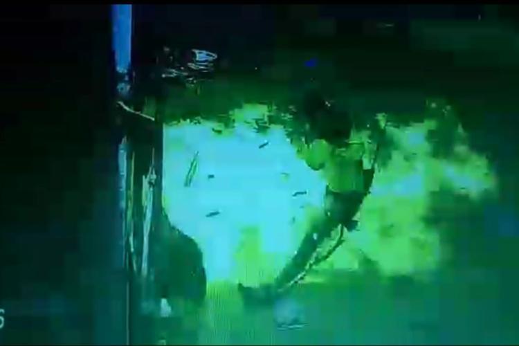 Watch Denied hafta Hyd history-sheeter sets shop ablaze ends up burning himself