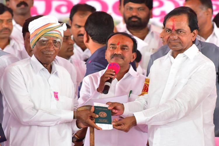 Integrate our villages into Telangana Maharashtra farmers appeal to CM KCR