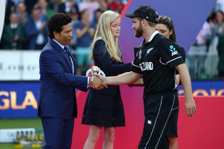 What Sachin told Kane Williamson while handing him Player of the Tournament trophy
