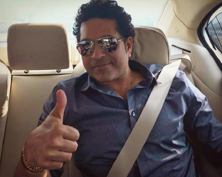Watch Sachin stumps his fans joins a game of gully cricket on Mumbais streets