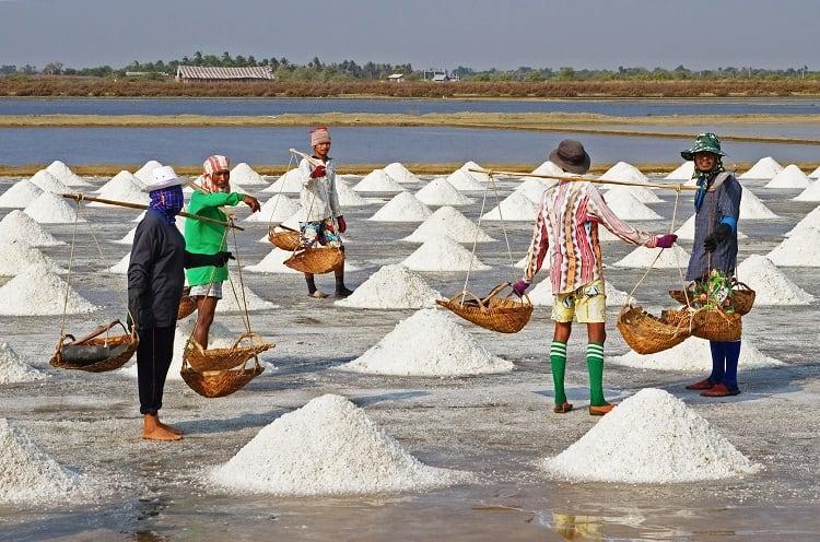 Karnataka districts resort to panic buying after rumours of salt shortage