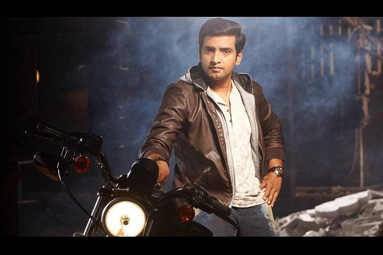 Santhanam shoots an action scene with 40 fighters