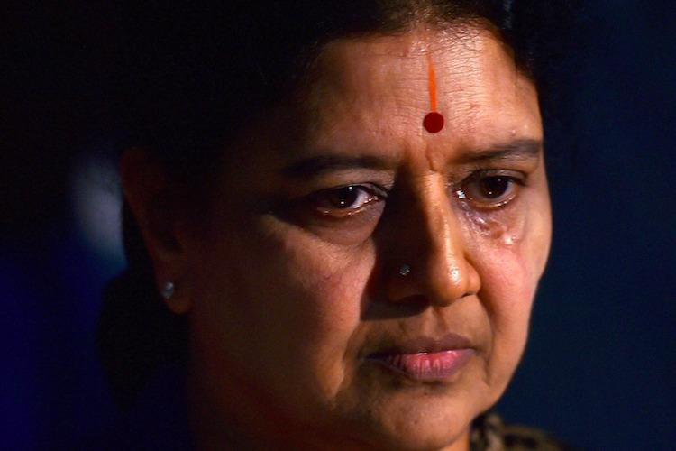 Raids on Sasikala family I-T dept claims tax evasion on Rs 1430 crore number could go up