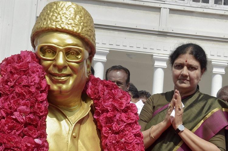 AIADMK MP Thambidurai requests Sasikala to take over as CM immediately