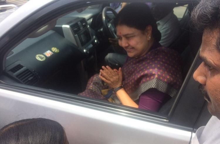 Sasikala, out on parole, visits husband Natarajan at hospital in Chennai