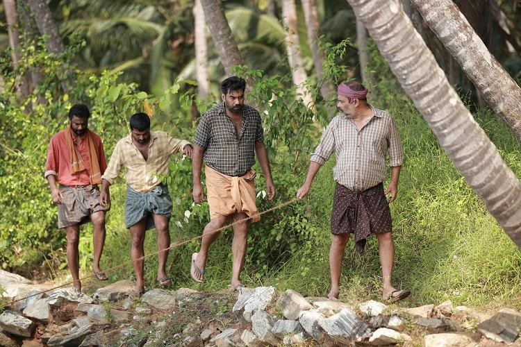 Sathyam Paranja Viswasikkuvo review A slice-of-life tale about a group of masons