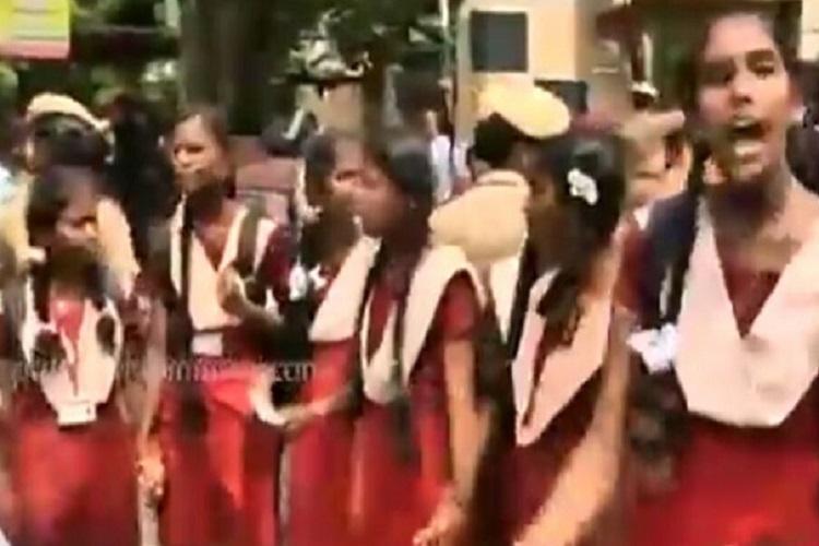 Chennai school students protest against NEET disrupt traffic in Nungambakkam
