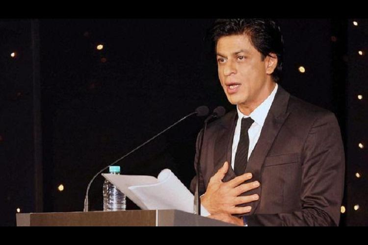Mumbai police gives Shah Rukh Khan a clean chit in Wankhede Stadium brawl