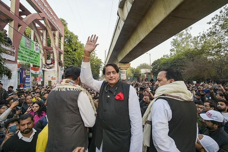 CAA betrays Gandhis ideals Tharoor meets Jamia Shaheen Bagh and JNU protesters