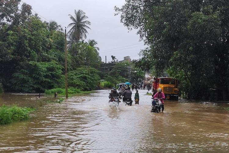 How can we outrun water Shivamogga residents evacuated amidst relentless rain
