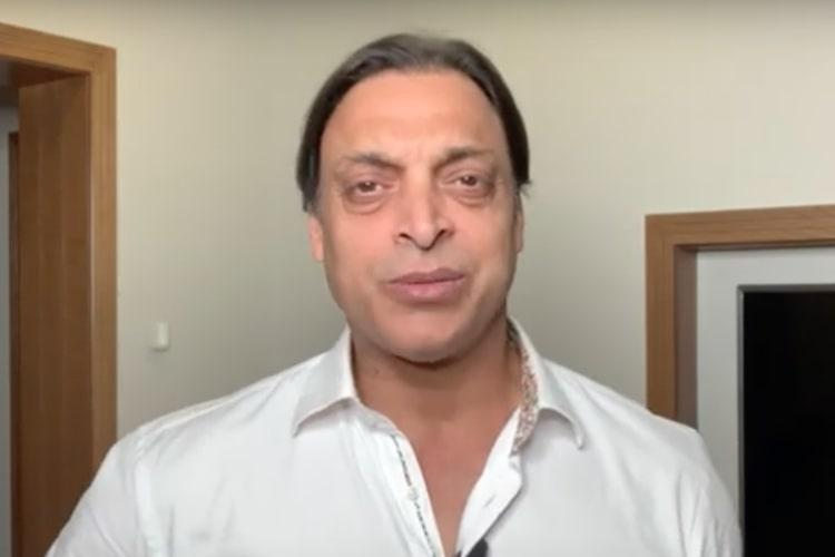 Shoaib Akhtar lauds Indias fightback calls Dhoni an absolute legend
