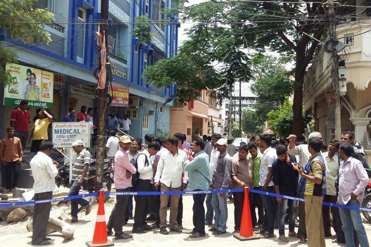 Congress leader Yadagiri shot by unknown assailants in Hyderabad