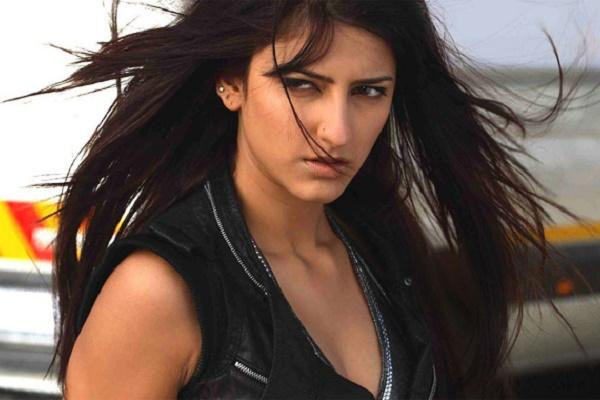 Shruti Haasan brushes off The Hindus snide non-interview with pre-conceived notions