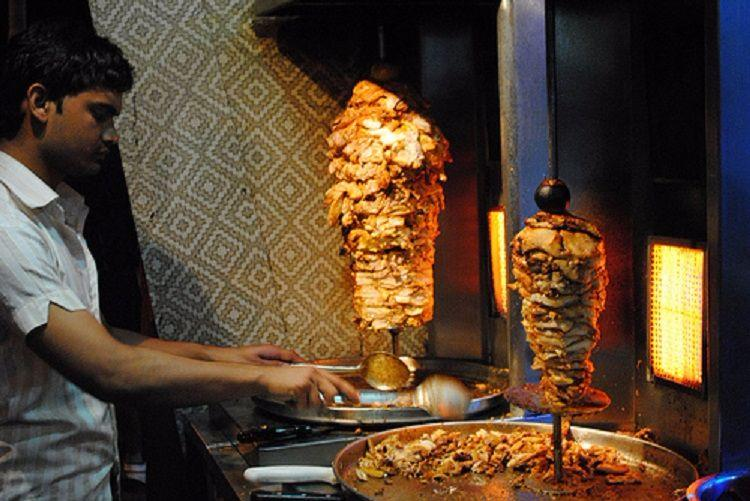 4 hospitalised in Kozhikode tainted shawarma a major issue for Kerala food safety officials