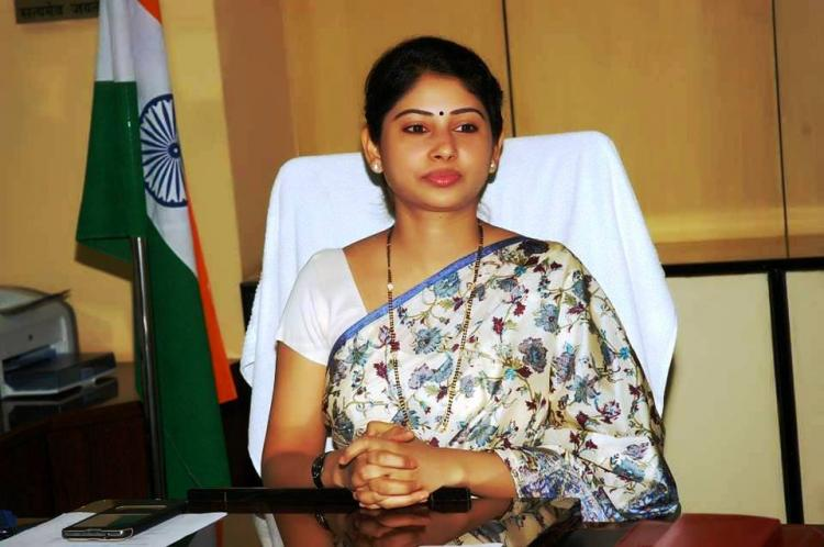 Telangana govt allots Rs 15 lakh to Smita Sabharwal IAS for lawsuit against Outlook