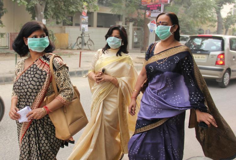Delhi smog choking employees hampering work Assocham survey