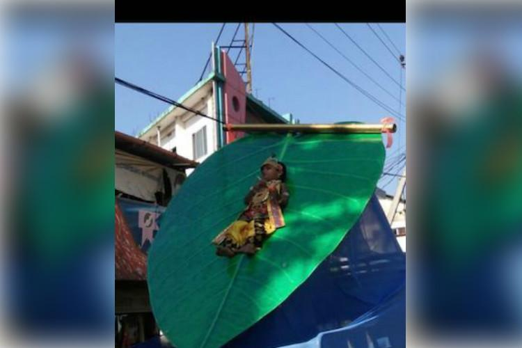 Lord Krishna procession 3 yr old Kerala kid tied to peepal leaf for 25 hrs sparks outrage