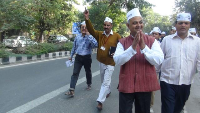 Domestic violence case Somnath Bharti evading probe issued another notice
